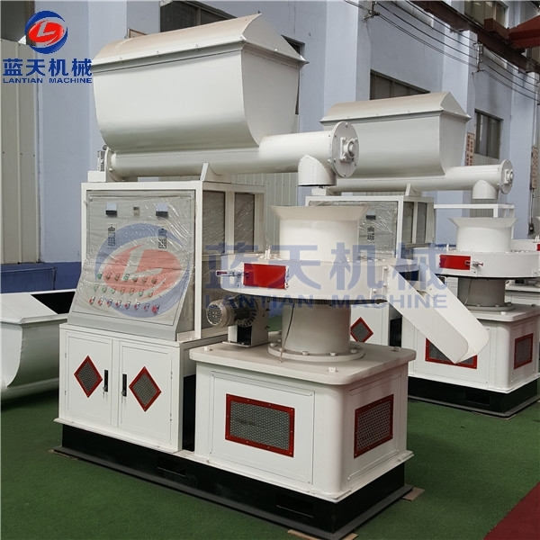 Customers Site of Wood Sawdust Pellet Machine